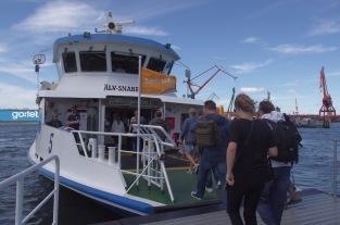 Der Älvsnabben gehört wie Busse, Züge und Straßenbahnen zum Verkehrsverbund und verbindet mehrere Haltestellen an Nord- und Südufer des Göteborger Hafens miteinander.